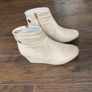 🤍2/15$🤍White Heal Boots